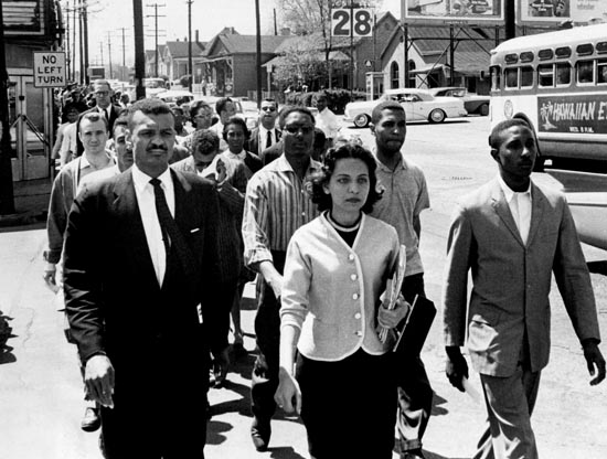 Diane Nash and C.T. Vivian lead a demonstration in Nashville. Credit: The Nashville Tennessean.